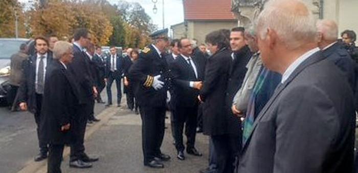 François Hollande témoin de la «solidarité» des Français à Petit-Palais