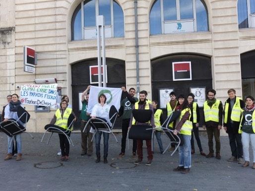 Kidnapping de chaises réussi ce jeudi à Bordeaux (SB/Rue89 Bordeaux)