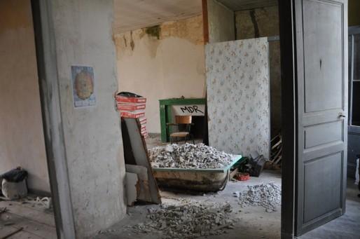 Le collectif de Sherby retape la maison du Conseil Régional à Blanquefort. (Xavier Ridon/Rue89 Bordeaux)
