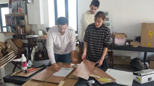 Derniers préparatifs dans les locaux de l'association Open Space (CB/Rue89 Bordeaux)