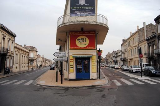 Les bus qui remontent la rue Fondaudège, à droite, seront déviés rue David-Johnston, à gauche (WS/Rue89 Bordeaux)