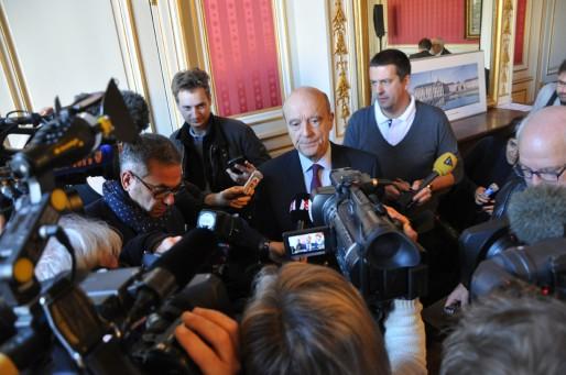 Alain Juppé avant le conseil municipal de la ville de Bordeaux (Xavier Ridon/Rue89 Bordeaux)