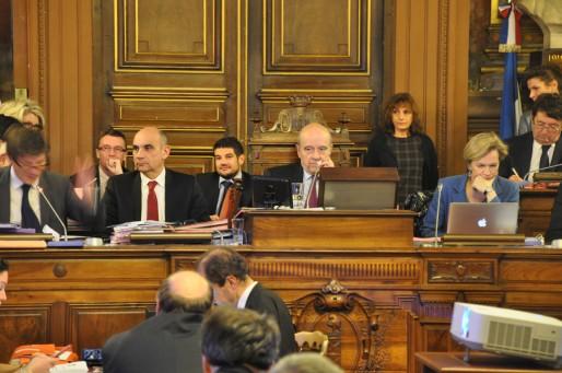 Dernier conseil entre l'agacement de Nicolas Florian et l'impatience d'Alain Juppé. (Xavier Ridon/Rue89 Bordeaux)