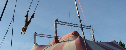 Le chapiteau de l'école de cirque de Bordeaux (DR)