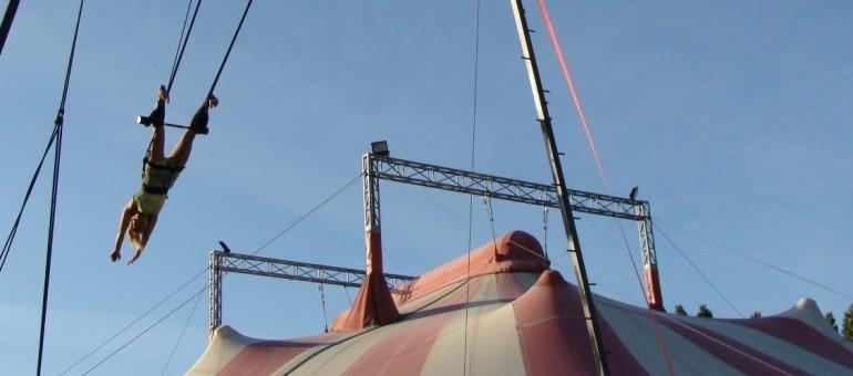 Chapiteau en Hiver, et le printemps du cirque bordelais