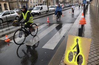 Action de Vélo-Cité ce vendredi sur les quais de Bordeaux (SB/Rue89 Bordeaux)