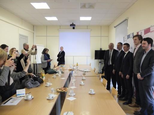 Les fondateurs de Bordeaux Gironde Funding prennent la pose à la CCI (SB/Rue89 Bordeaux)