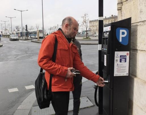 Les horodateurs arrivent à la Bastide (SB/Rue89 Bordeaux)