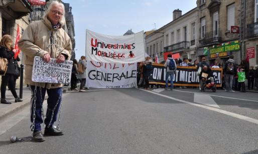 Un petit millier de manifestants pour préparer le tremplin au 31 mars (Xavier Ridon/Rue89 Bordeaux)