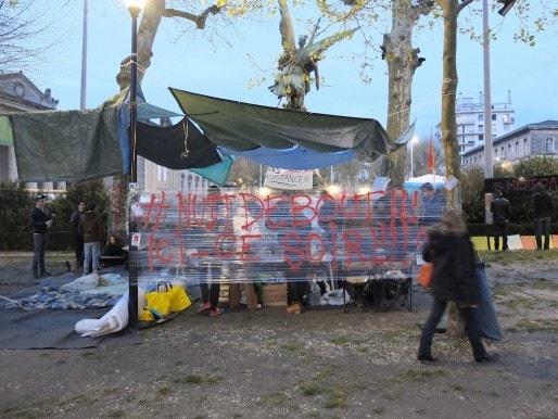 L'accueil de Nuit Debout place de la République (SB/Rue89 Bordeaux)