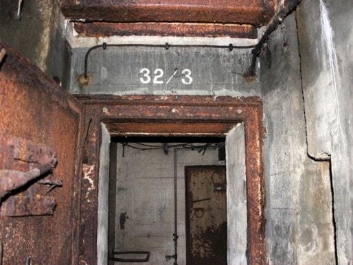 La porte du blockhaus situé sous la place des Quinconces (MD/Rue89 Bordeaux)
