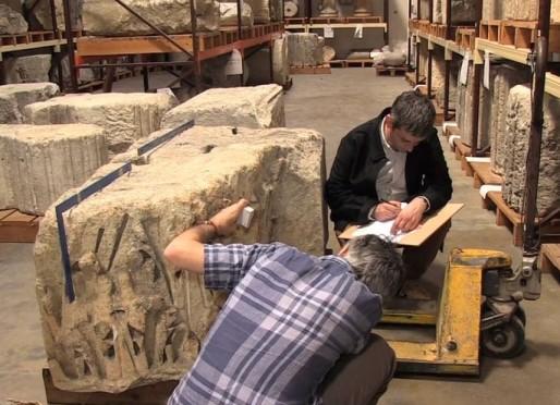 Les mystérieux blocs extraits des remparts qui pourraient appartenir aux anciens Piliers de Tutelle (MD/Rue89 Bordeaux)