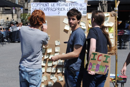 Des ateliers spontanés lors de la Global Debout (WS/Rue89 Bordeaux)
