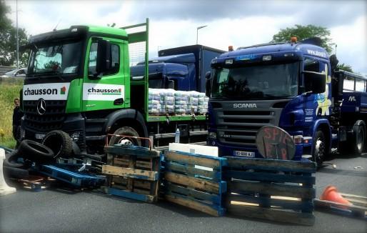 Le blocage de l'économie passe par le blocage des camions. (JLP/Rue89Bordeaux)