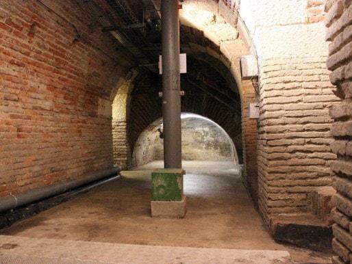 A l'intérieur du Pont de Pierre (MD/Rue89 Bordeaux)