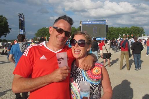 Charlie et Anna sont venus de Cardiff pour supporter le Pays de Galles depuis la fanzone de Bordeaux.