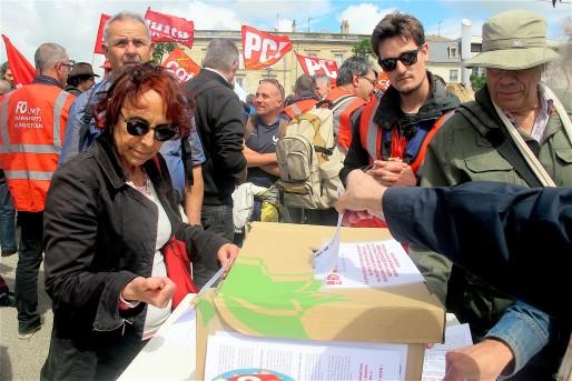 Pendant un mois, les syndicats appellent les Français à participer au vote sur la loi travail (AP/Rue89 Bordeaux)