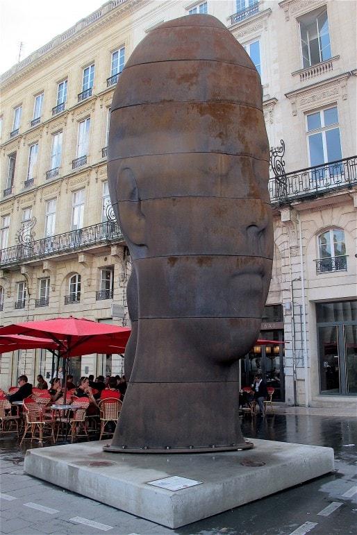 """""""Sanna"""", la sculpture de Jaume Plensa, restera à Bordeaux grâce à un mécène anonyme. (AP/Rue89 Bordeaux)"""
