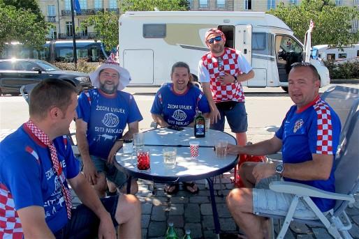 """Kreso, Dario, Dubravko et Aron sont partis deux semaines en camping-car pour """"mêler vacances et sport"""" (AP/Rue89 Bordeaux)"""