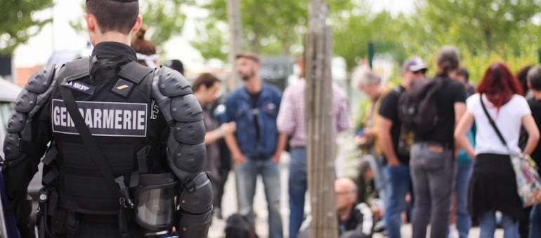 Des militants anti-loi travail encerclés façon Alamo