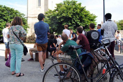 De nombreux coursiers cyclistes se sont retrouvés après l'annonce du placement en redressement judiciaire de la société belge Take Eat Easy (WS/Rue89 Bordeaux)