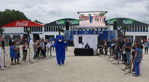 La Chorale des supporters, le 1er juillet sur la fan zone (photo Lanal Duval)
