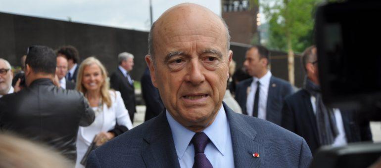 Alain Juppé publie un «simple manifeste» pour rajeunir la droite