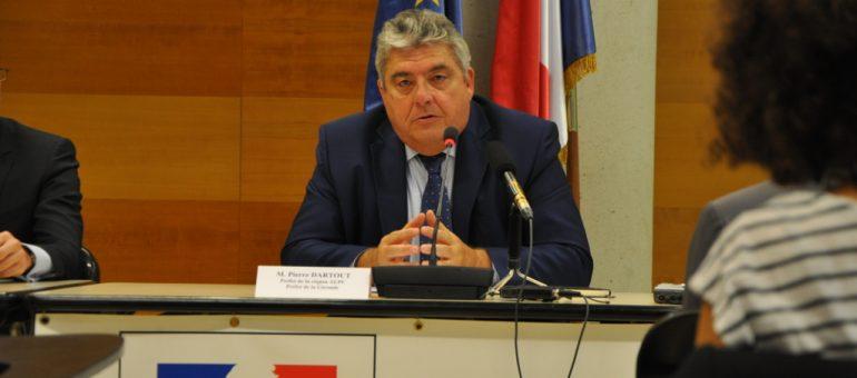 Le préfet de Gironde loue la déontologie de la police en manif