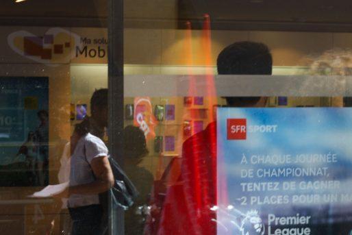 Devant le magasin SFR rue Sainte-Catherine à Bordeaux (CP/Rue89 Bordeaux)