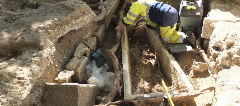 Des sarcophages du Moyen-Âge découverts à Bordeaux