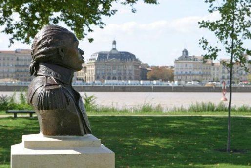 Rive droite, le buste de Toussaint Louverture, leader anticolonialiste de la Révolution haïtienne (DR)