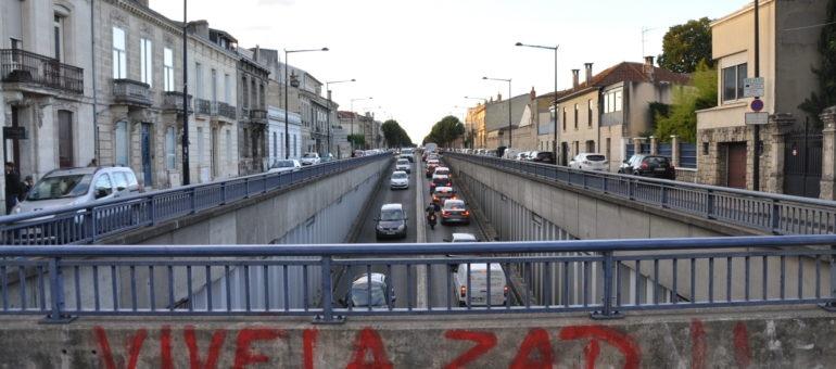 (2) Lever les barrières des boulevards aux transports propres