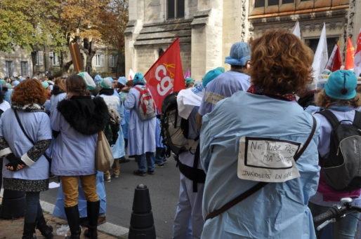 Rassemblement devant l'hôpital Saint-André (Xavier Ridon/Rue89 Bordeaux)