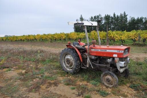Tracteur à Pomerol (XR/Rue89 Bordeaux)