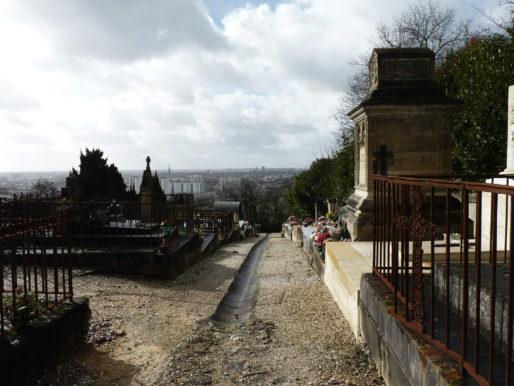 Vue sur Bordeaux depuis le cimetière Saint-Romain à Cenon (GPV)