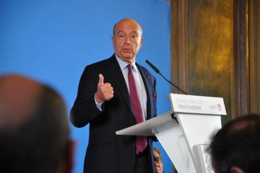 Sur les questions nationales, Alain Juppé fait pouce. (XR/Rue89 Bordeaux)