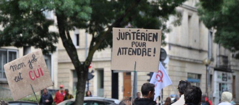 Plus de 10000 fainéants marchent contre la Loi Travail à Bordeaux