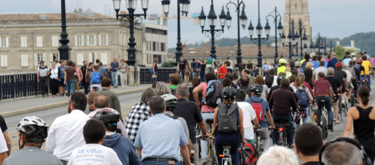 Les cyclistes veulent rester sur tous les ponts de Bordeaux