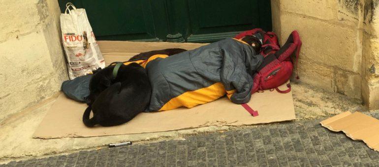 En plein grand froid, des maraudeurs empêchés de venir en aide aux sans-abri