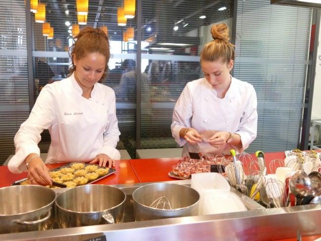 Manger sainement tout en se régalant, c'est possible grâce aux ateliers de Jeanne et Sophie, deux diététiciennes bordelaises.