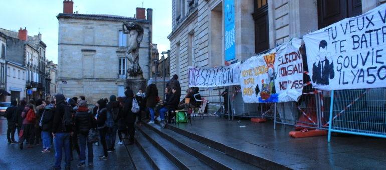 Le campus de Bordeaux Victoire évacué manu militari