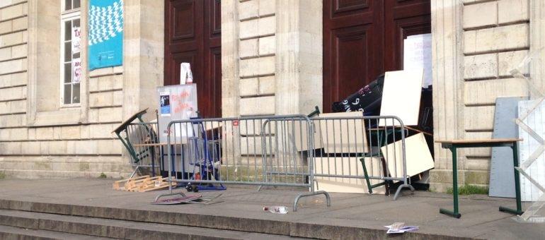 Les étudiants votent le «blocage illimité» de l'Université Bordeaux 2