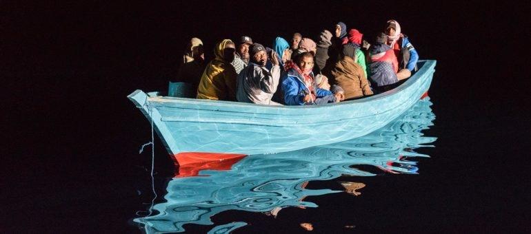 L'Aquarius, bateau de SOS Méditerranée, une parenthèse dans la vie des rescapés