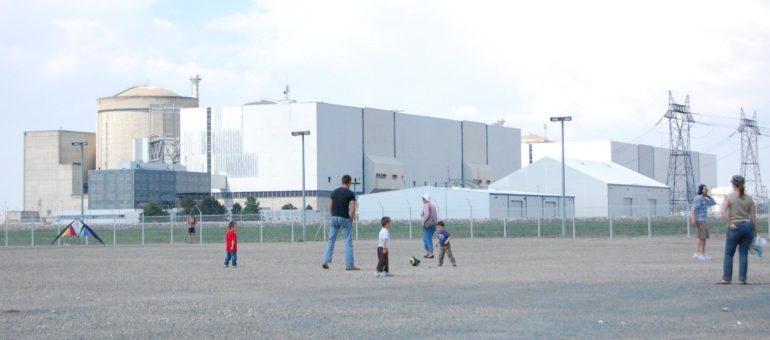 Greenpeace «interdit de séjour» à la centrale nucléaire du Blayais