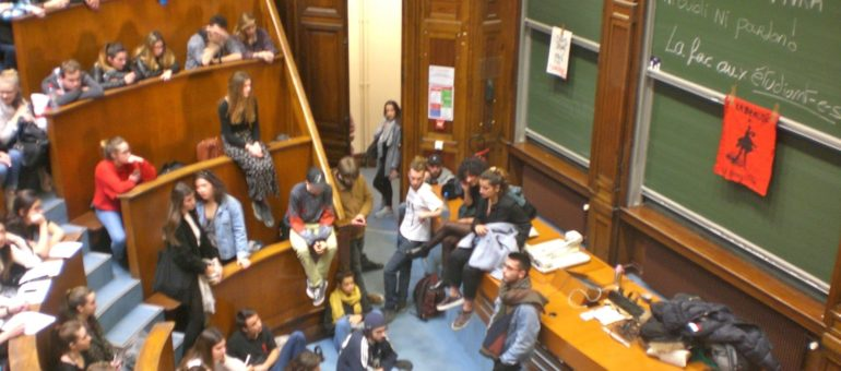Les étudiants occupent l'amphi Gintrac à l'Université de Bordeaux