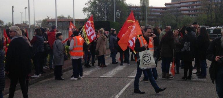 A Eysines, les salariés de Pages Jaunes voient rouge contre le plan social