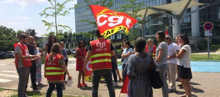 Les employés de la CAF Gironde mobilisés contre la suppression de 50 postes