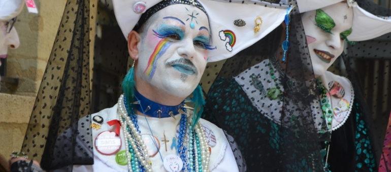 Sœur Marie Qu'on Fesse, «folle radicale» à la Gay Pridede Bordeaux