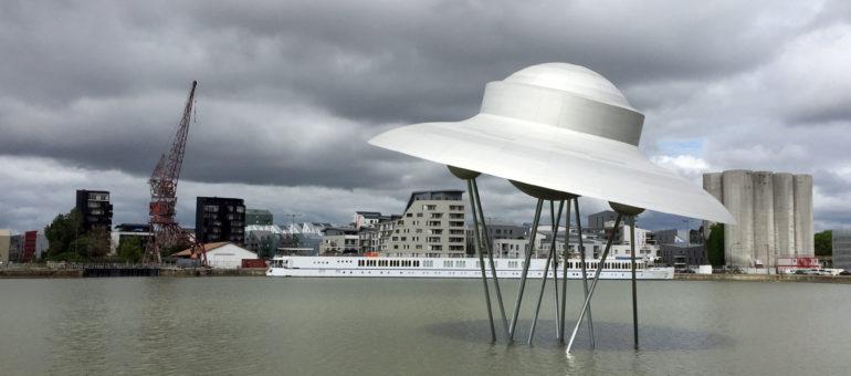 Le Vaisseau spatial atterrit sans trop de vagues aux Bassins à flot