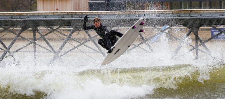 Surf : mais pourquoi construire des méga piscines à vagues près de l'océan ? (1)